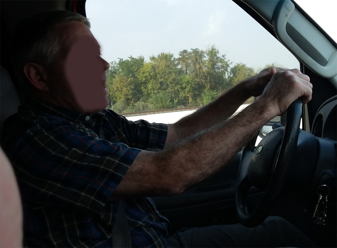 Posture while driving image
